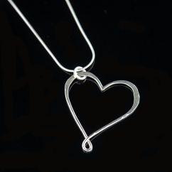 Heart pendant - Lola £33.50